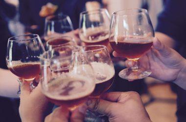 Czy to już alkoholizm Przy jakich dawkach alkoholu można mówić o uzależnieniu